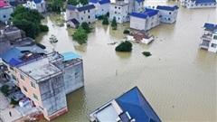 Trung Quốc chật vật ứng phó với lũ lụt nghiêm trọng nhất trong 3 thập kỷ