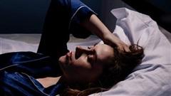Phải vật lộn với chứng mất ngủ trong thời gian dài, người phụ nữ này không ngờ tới đây lại là triệu chứng cảnh báo một tình trạng rối loạn hiếm gặp