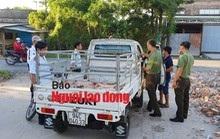 Mật phục bắt quả tang xe tải chở nhiều heo giống nghi nhiễm bệnh đi bán cho dân