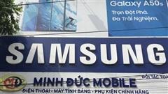 Tạm giữ hàng trăm phụ kiện điện thoại có dấu hiệu giả mạo nhãn hiệu Apple, Samsung