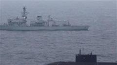 Hạm trưởng Anh tự hào khi thấy tàu ngầm Nga bơi nổi