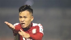 Trọng tài 'gây bão' ở khi bóng 2 lần chạm tay cầu thủ Hà Nội trong vòng cấm