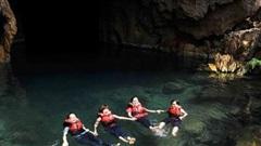 Trải nghiệm hang Tối -  sông Chày