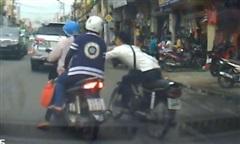 Camera an ninh 'lật mặt' đối tượng cướp giật ở Sài Gòn