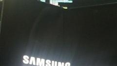 Galaxy Z Fold 2 lộ ảnh thực tế với màn hình 'nốt ruồi' kích thước lớn