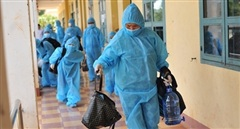 Chuyển nhiều bệnh nhân cùng ca nhiễm COVID-19 ra khỏi bệnh viện