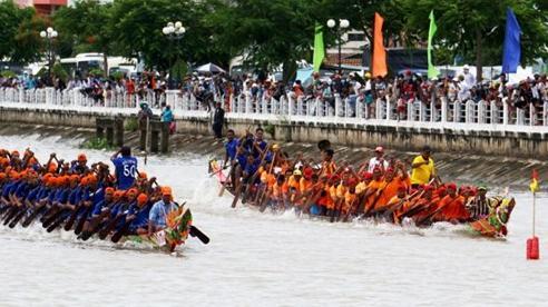 Khai mạc Giải đua ghe ngo Trà Vinh