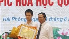 Nam sinh giành HCV Vàng Olympic Hóa học được thưởng 500 triệu đồng