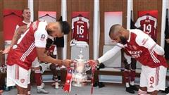 Arsenal rao bán những người hùng vừa vô địch FA Cup