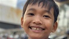 Hành động đẹp của cậu bé 10 tuổi ở góc đường An Dương Vương, quận 5