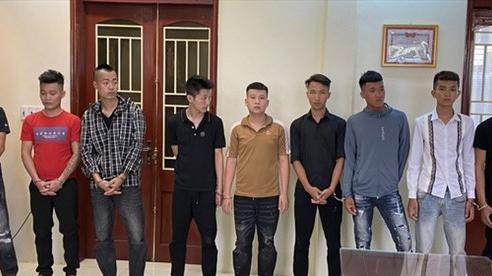 Gái làng bị 'trai hư' trêu nghẹo, hơn 40 thanh niên cầm hung khí hỗn chiến