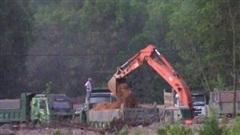 Vụ khai thác đất lậu, chính quyền ở đâu: Xử phạt 105 triệu đồng