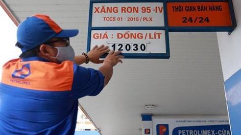 Giá xăng dầu hôm nay 5/8: Bất ngờ đảo chiều sau khi tăng mạnh