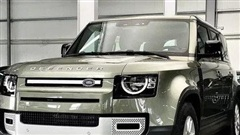Land Rover Defender 2020 cập bến Việt Nam: SUV giá từ 3,7 tỷ cạnh tranh vua địa hình Mercedes-Benz G-Class