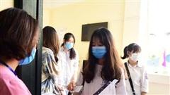 Sĩ tử bắt đầu đăng ký thi tốt nghiệp THPT ở Hà Nội