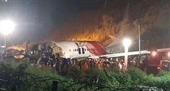 Hé lộ nguyên nhân máy bay Ấn Độ gãy đôi làm 17 người chết