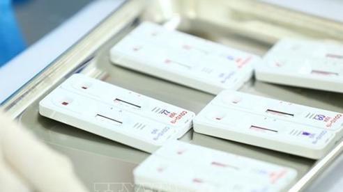 41 trường hợp liên quan bệnh nhân 727 và 736 đều âm tính với virus SARS-CoV-2