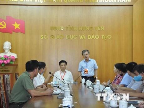 Thứ trưởng Nguyễn Hữu Độ kiểm tra công tác tổ chức thi tại Hưng Yên