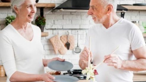 Người cao tuổi nên ăn gì để tăng khả năng miễn dịch với Covid-19?