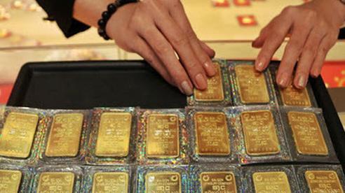 Giá vàng tiếp tục rớt mạnh phiên đầu tuần