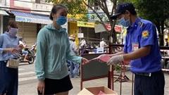 Người Đà Nẵng ngày đầu tiên đi chợ bằng 'thẻ xanh, thẻ hồng'