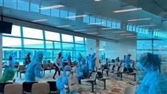 Dịch Covid-19: Thêm hơn 240 công dân Việt Nam từ Singapore về nước an toàn