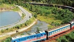 Đường sắt tiếp tục tạm dừng một số chuyến tàu do dịch COVID-19
