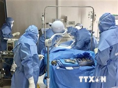 Bệnh viện Đại học Y Hà Nội hỗ trợ vùng tâm dịch COVID-19