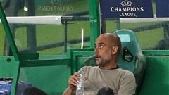 Cổ động viên Man City 'tố' HLV Pep Guardiola 'lừa đảo'