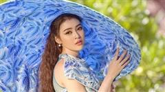 Kim Thảo diện trang phục của Nhật Dũng, kêu gọi bảo vệ môi trường biển