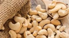 Giá hạt điều xuất khẩu giảm mạnh