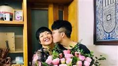 Quà tặng sinh nhật của con trai khiến MC Thảo Vân nghẹn ngào