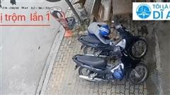 Clip: Phản ứng siêu nhanh nhạy của gia chủ khi chiếc xe máy 2 lần bị trộm 'viếng thăm'