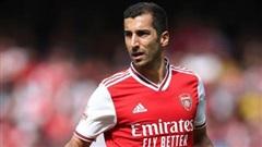 Arsenal nghiến răng đẩy 'ông kễnh' hàng dạt MU