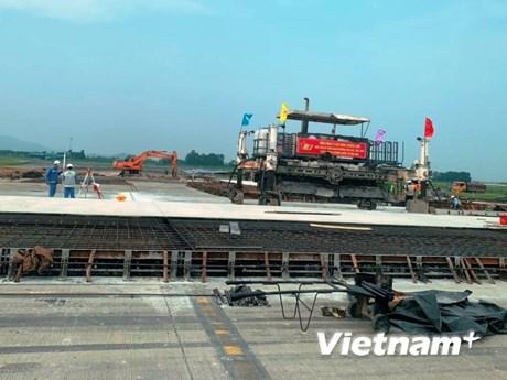 Bộ trưởng GTVT 'chốt' thời gian sửa chữa xong đường băng Nội Bài