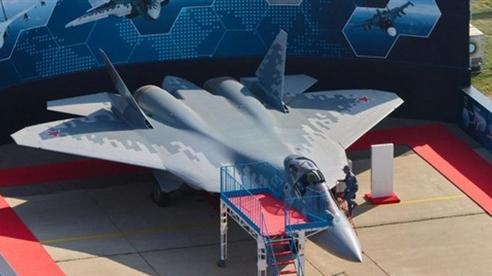 Su-57 không bị lộ như F-22 khi đậu tại căn cứ