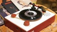Chiếc máy hát siêu nhỏ của người có ước mơ lớn