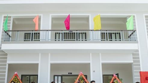 Quảng Bình: Hai cựu học sinh chi hơn 3 tỷ đồng xây phòng học tặng nhà trường