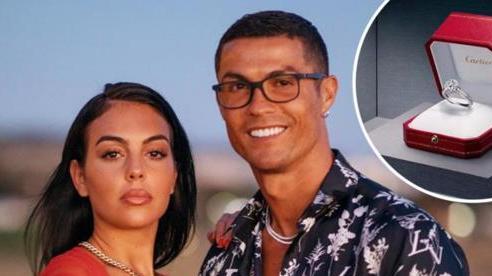 Cristiano Ronaldo tặng Georgina Rodriguez nhẫn đính hôn trị giá 18 tỷ đồng