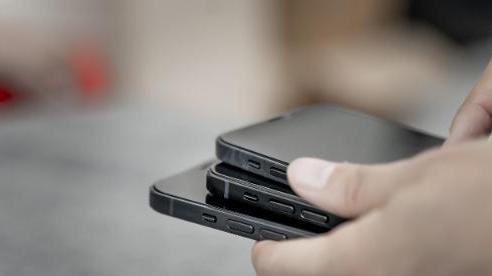 iPhone 12 chưa ra mắt khiến nhiều người vui