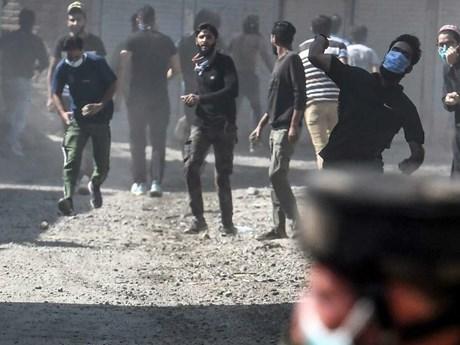 Ấn Độ: Người dân đụng độ lực lượng an ninh tại Kashmir