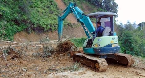 Tập trung thông tuyến, xóa thế cô lập ở vùng cao Quảng Nam
