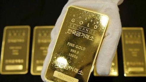 Lao dốc mạnh, giá vàng thấp nhất trong 1 tháng qua