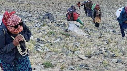 Nhận tiếp tế đặc biệt: Quân đội Ấn Độ để lộ 'điểm yếu nguy hiểm' so với Trung Quốc