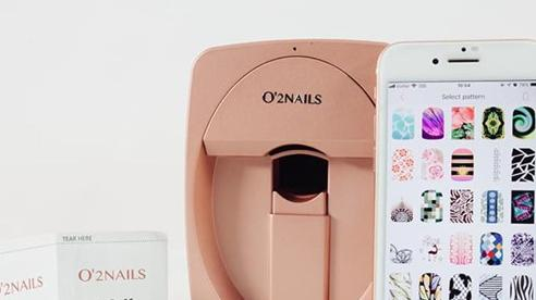 Làm nail thời công nghệ thật vi diệu, tiệm nail truyền thống sắp 'toang' thật rồi!