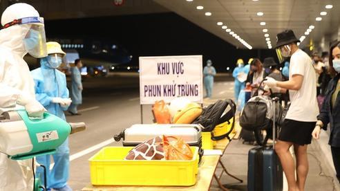 Thêm 5 ca mắc Covid-19 mới, Việt Nam có 1.074 ca bệnh