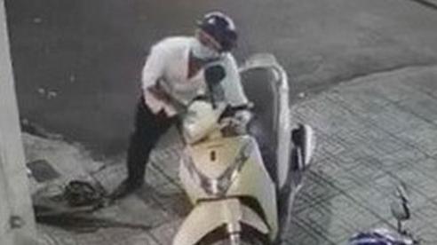 Trộm xe máy làm phương tiện đi cướp tài sản