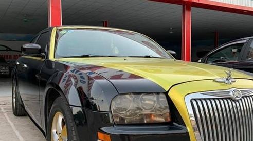 Độ duo-tone kiểu Rolls-Royce, sedan hạng sang Mỹ bán lại rẻ hơn cả Toyota Vios bản tiêu chuẩn