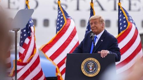 Tổng thống Trump: 'Có người nói tôi nổi tiếng nhất thế giới, nhưng không phải đâu'