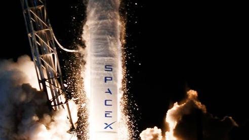 Elon Musk hứa sẽ đưa tàu vũ trụ lên Sao Hoả vào năm 2024